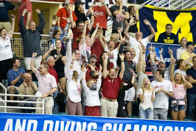 200 medley relay Alabama crowd-TBX_0428-