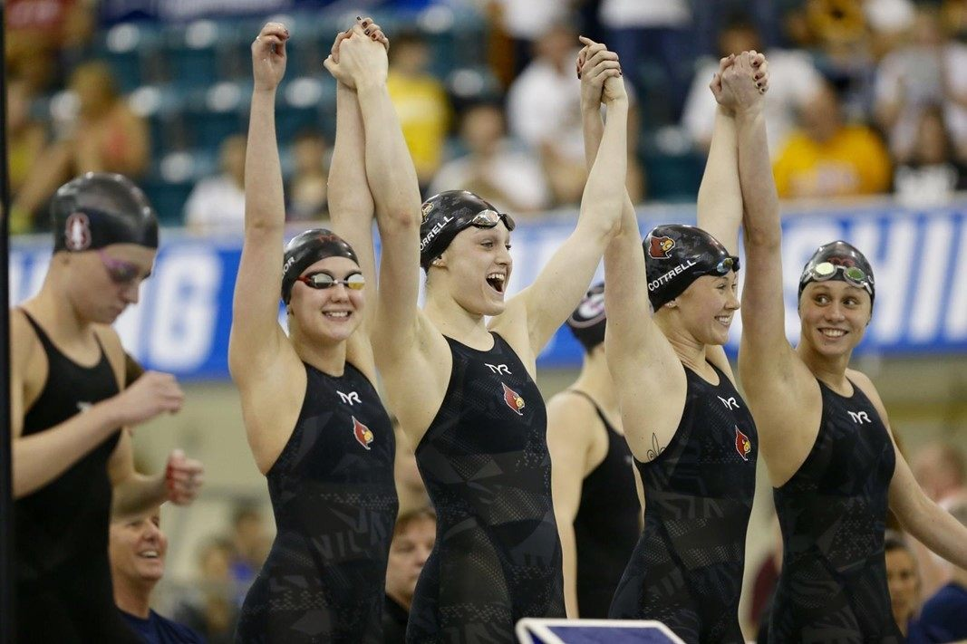 Watch the Louisville Women Light Up NCAAs (Race Videos)