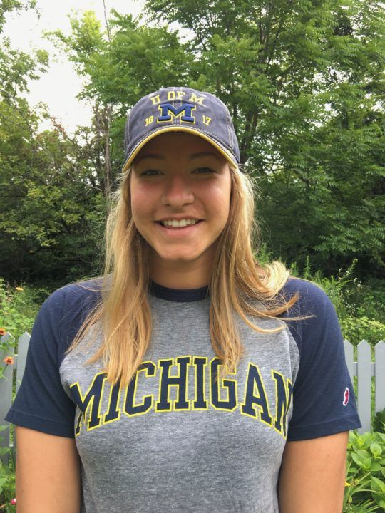 Double Illinois Sprint Champion Daria Pyshnenko Commits to Michigan