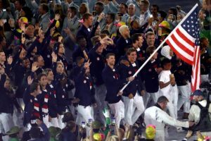 Ralph Lauren Svela l'Outfit Olimpico USA-Canada A Tokyo In Jeans