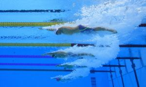 Snyder Breaks 30 year old world record in S11 100M Freestyle