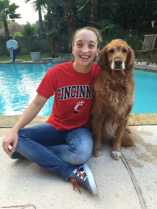 Texas UIL 6A Champion Victoria Hunt Verbally Commits to Cincinnati