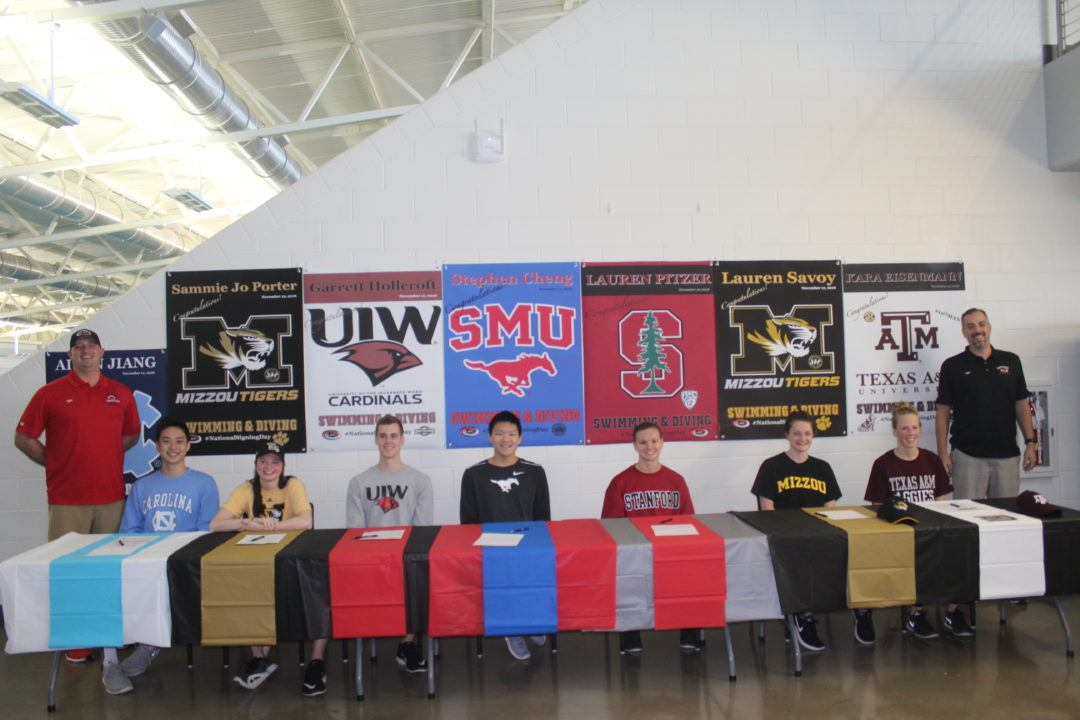 Lakeside Aquatic Club Holds Signing Ceremony for 7 Seniors