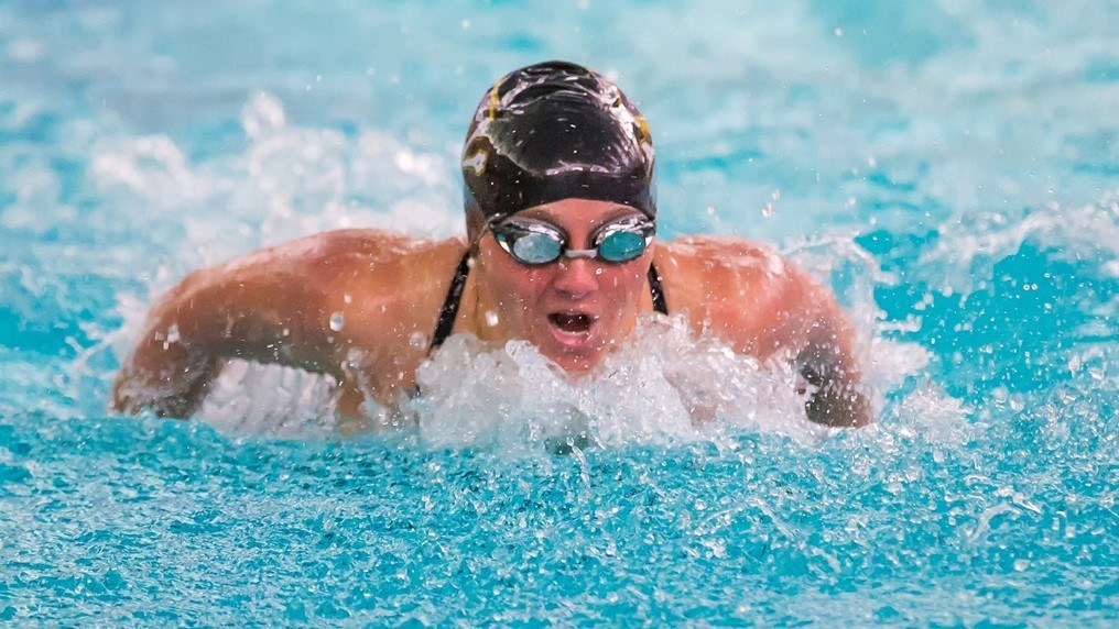 East Carolina Sweeps Dual Meet Against Old Dominion