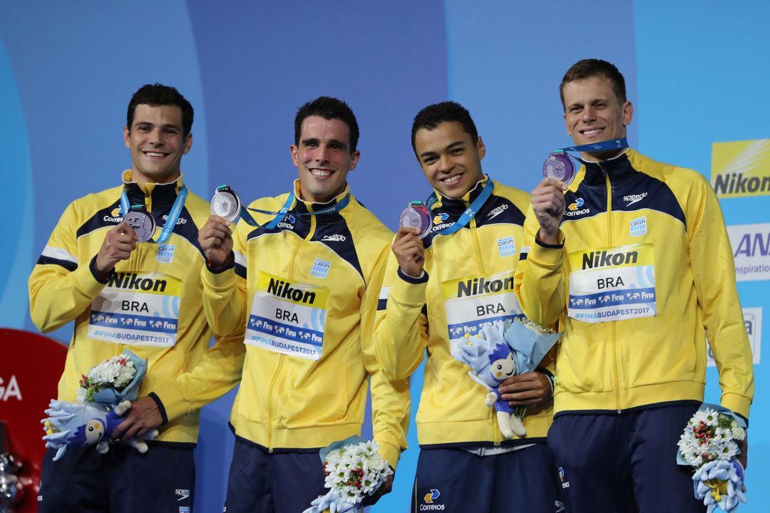 Brasil lleva un gran equipo de 20 nadadores al mundial de Hangzhou