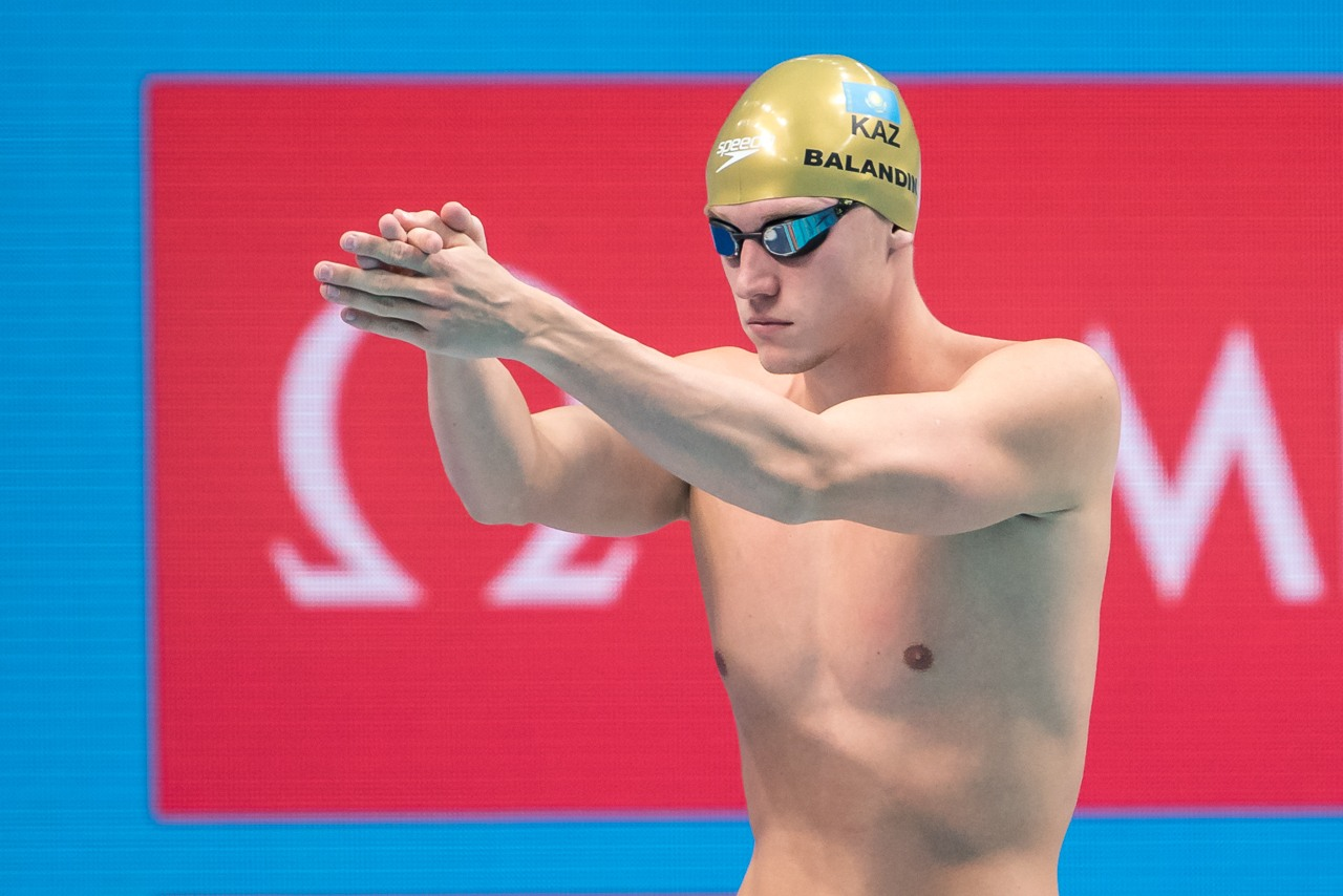 live-asian-feed-fuer-olympische-spiele-dakoda-brooks-nackt