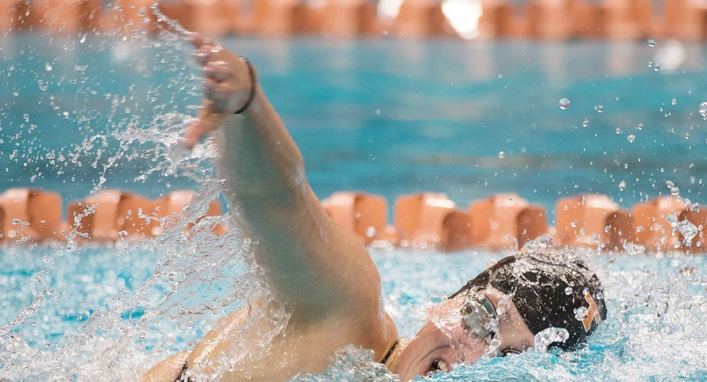 Texas Women, Indiana Men Come Up Big On Day 1 Of Meet With Gators