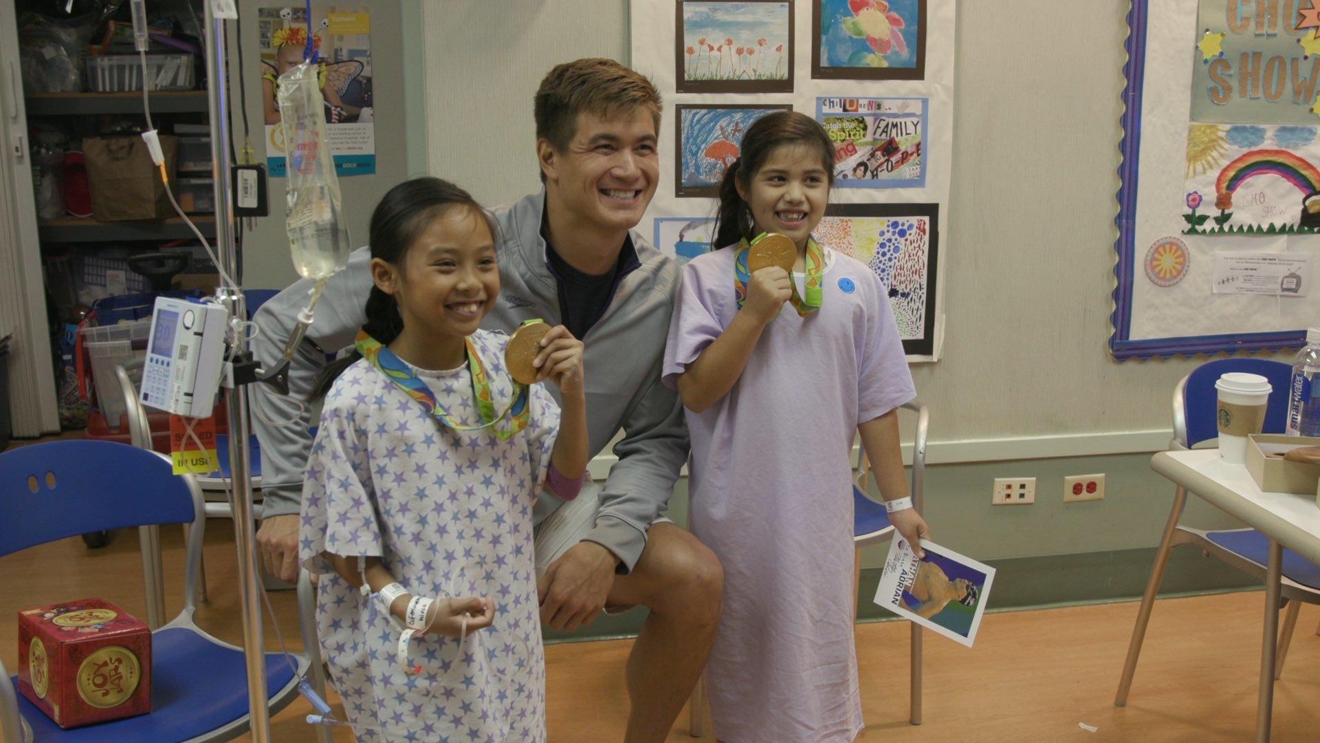 Nathan Adrian Visits Pediatric Hospital