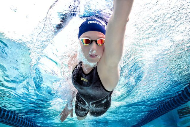 Jessica Long underwater swimming photo