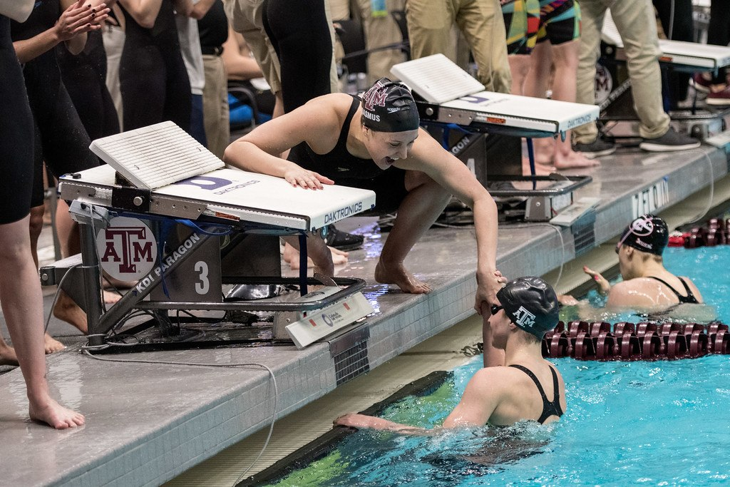 Casas, Hines, Pickrem, Texas A&M Relay All Post Nation-Leading Times at Art Adamson Day 1 Finals