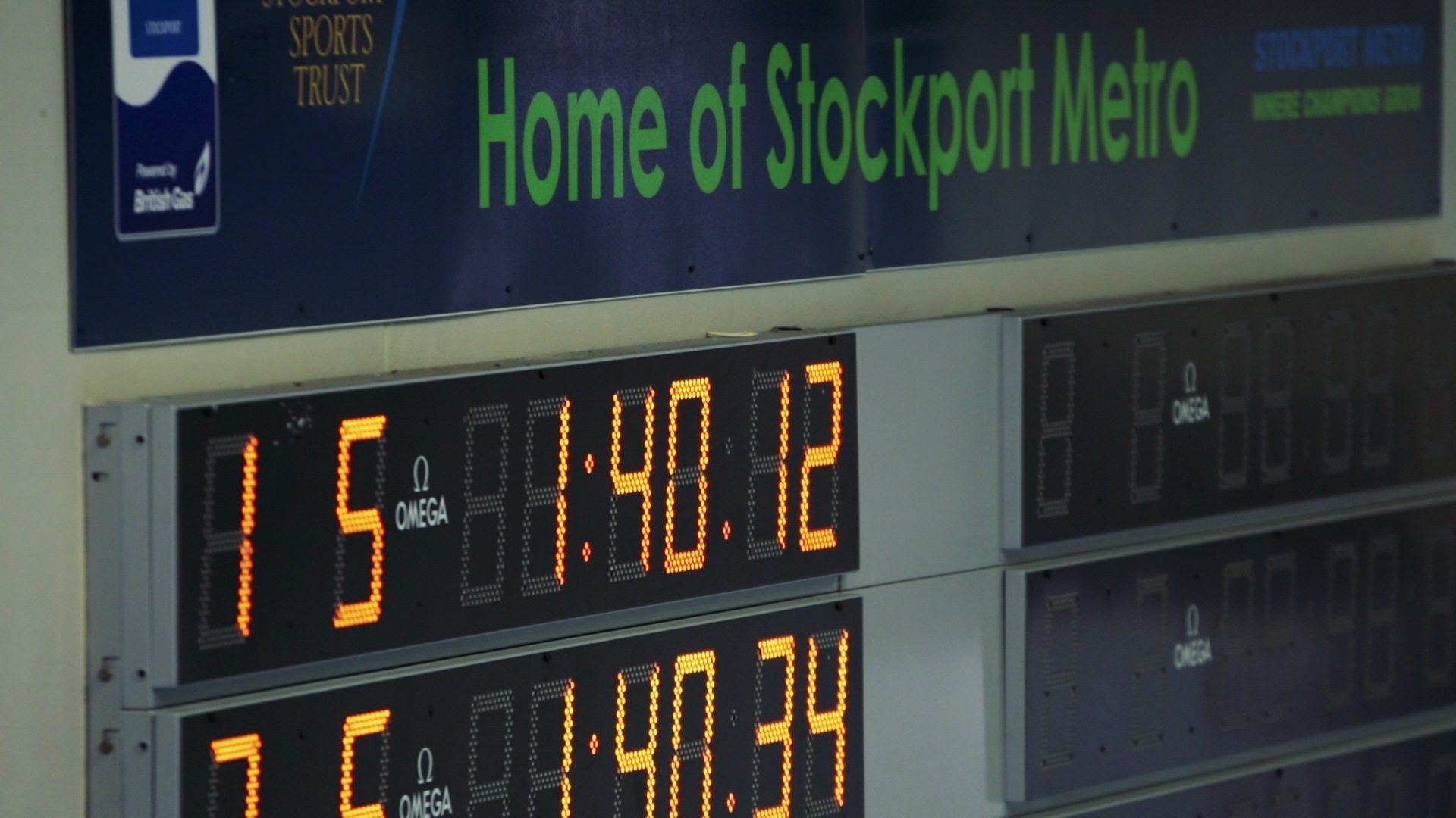 2938cdc07e Stockport Metro Swimmers Take Down Guinness Record For 100 x 50m Relay