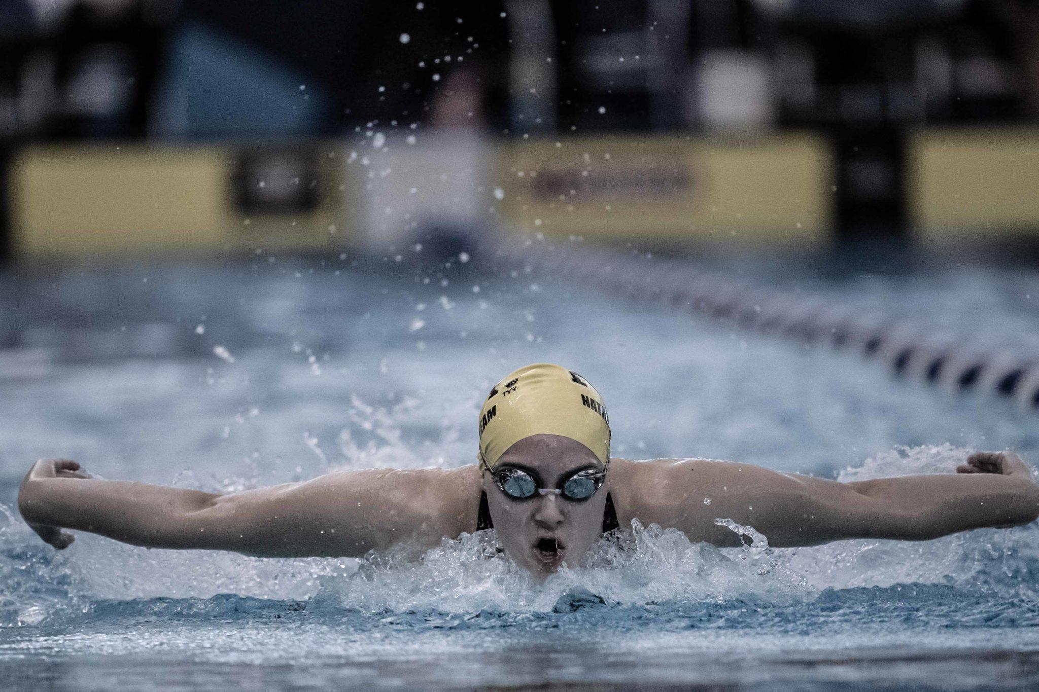 Neuqua Valley High School Girls Swim 3:20 in 400 Yard Free Relay (Race Videos)