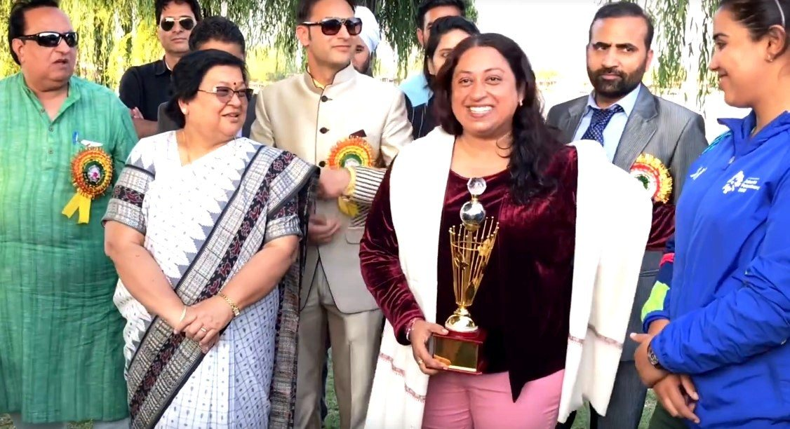 "Meenakshi Pahuja Ki 3 Great Achievements ""Swimming Is My Passion"""