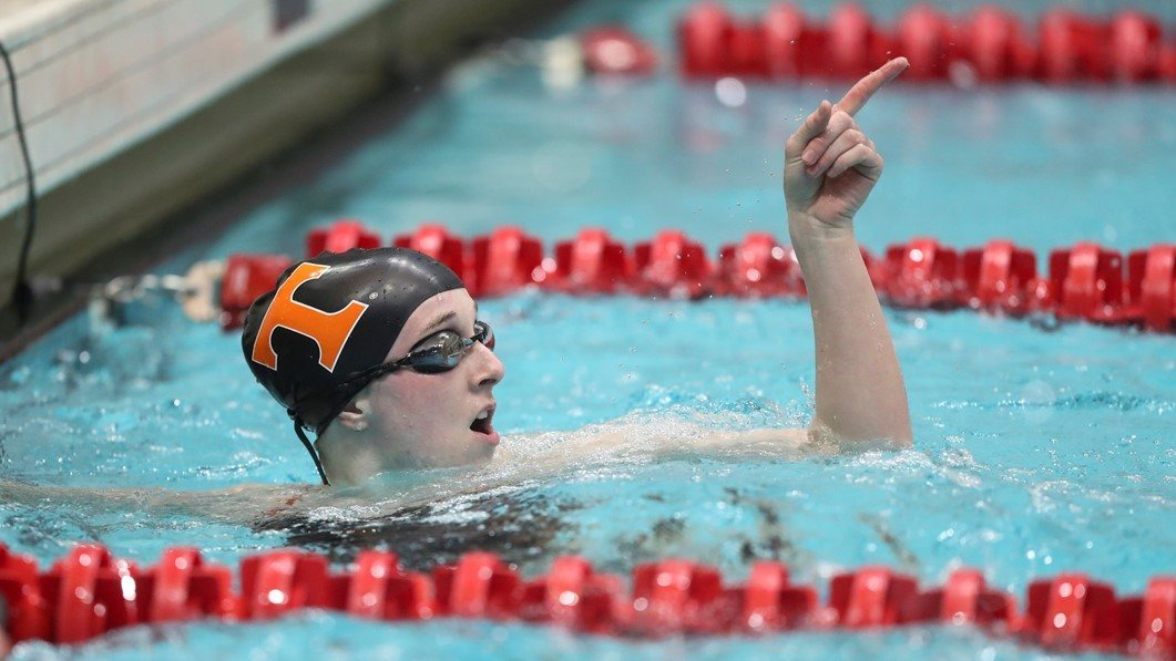 Erin Falconer Drops 500 Free; Moseley Scratches 50 on Day 2 at SECs