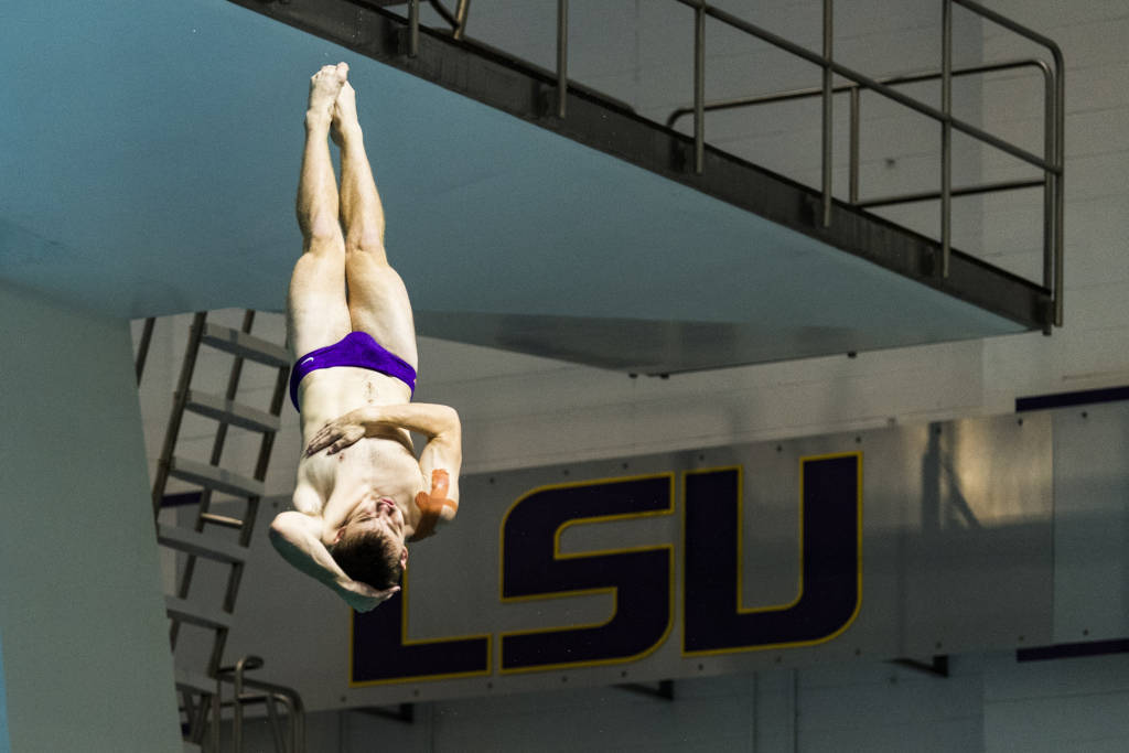 LSU Sweeps Day 1 of Auburn Diving Invitational