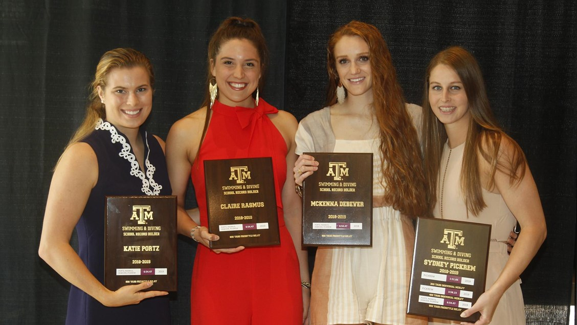Texas A&M Doles Out Awards at Saturday Banquet