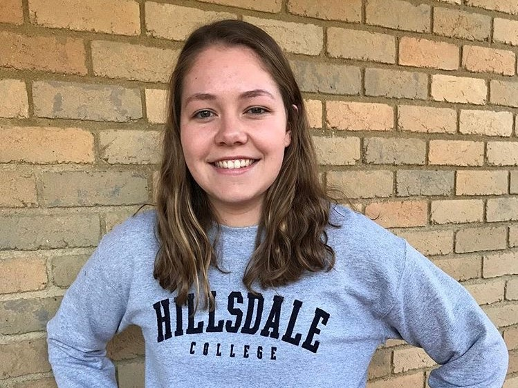 MMA Freestyler Sarah Clark Commits to Hillsdale for 2019-20
