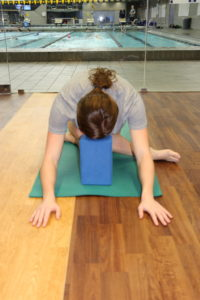 five yoga poses for swimmers after workouts