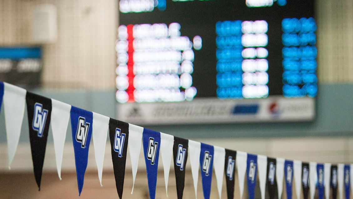 Grand Valley State Sweeps Wisconsin-Milwaukee