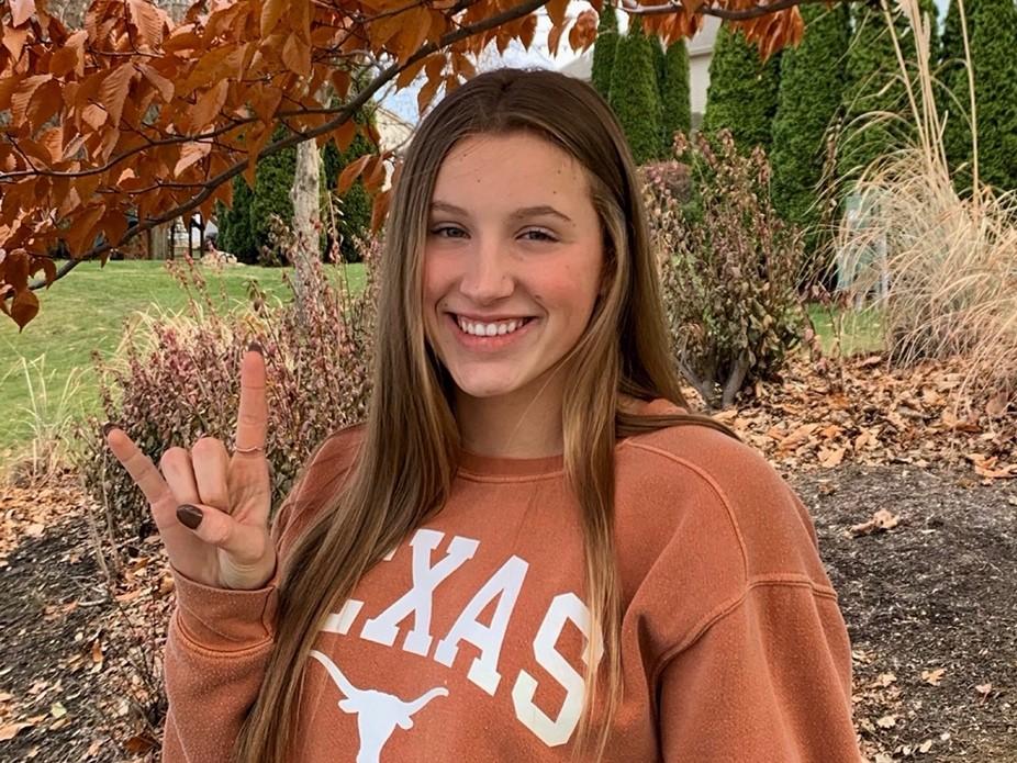 Texas Adds 2021 Verbal Commitment from National Junior Teamer Ellie Andrews