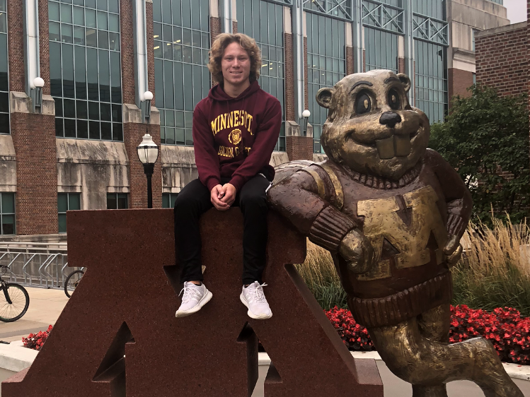 Two-Time State Champion Diver Josiah Fick Stays In State With Minnesota Commit
