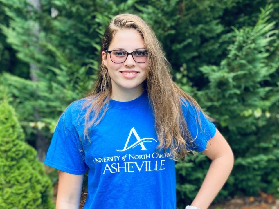 Distance Swimmer Caitlin Hefner Commits to DI UNC Asheville