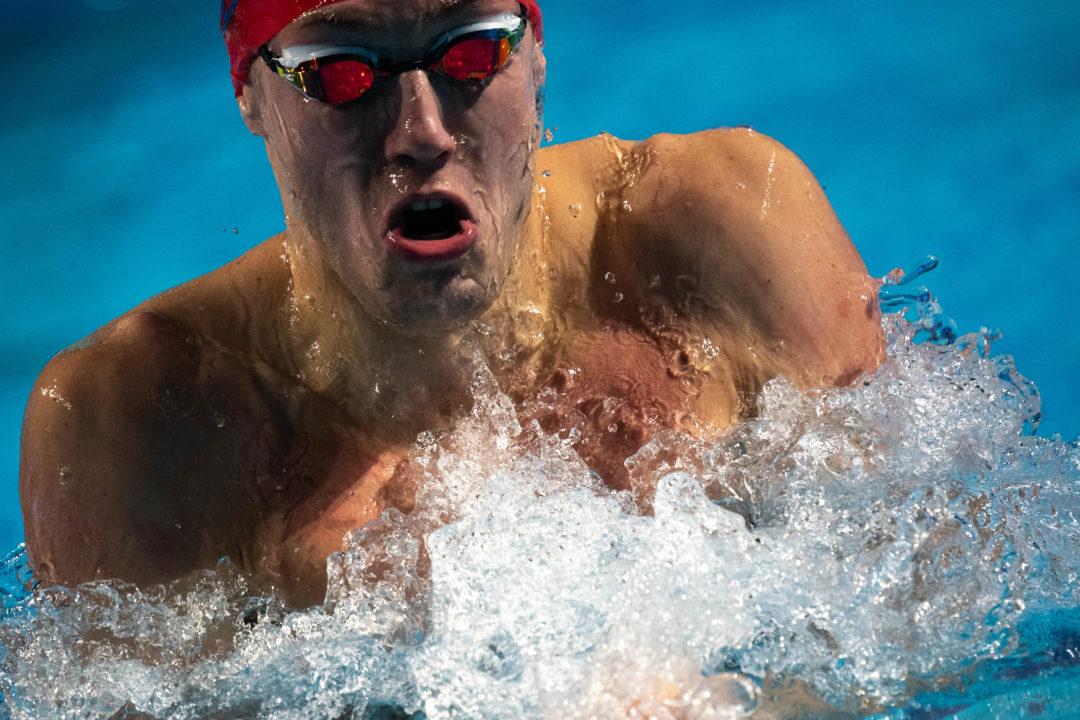 Shymanovich rompe el récord mundial de Peaty en 100 braza