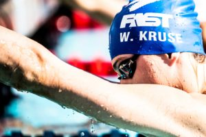 3 Ways Swimmers Can Manage Distractions on Race Day