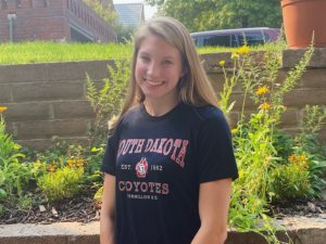 Sprint Free/Breast Specialist Christina Spomer Commits to South Dakota