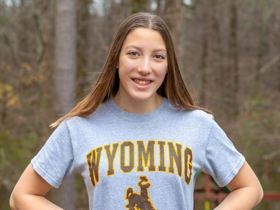 Winter Juniors-Qualifying Breaststroker Rachael Horne Commits to Wyoming