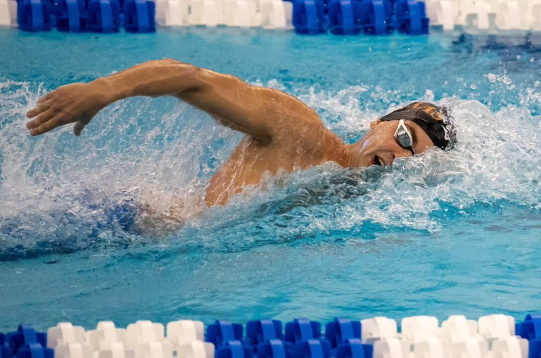 WATCH: Texas, Cal, Texas A&M, and Florida Battle it Out in the Men's 800 FR-R