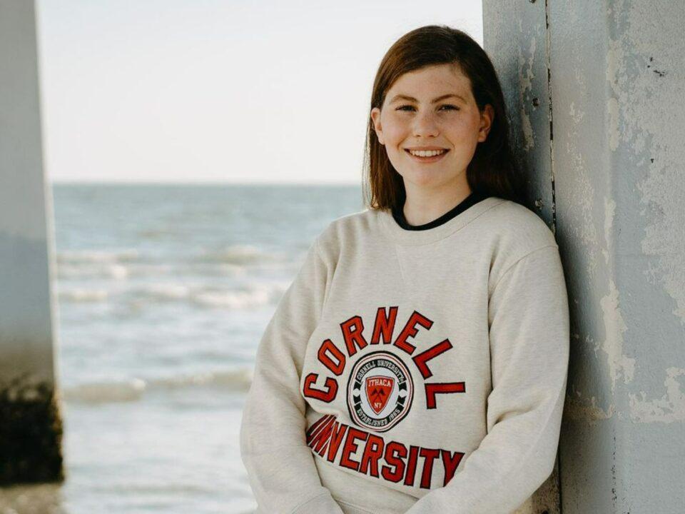 Three-sport Athlete Lexie Vanderloo to Swim for Cornell in 2021-22