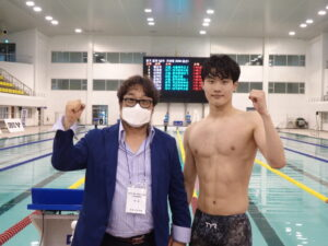 18-Yr-Old Hwang Sunwoo Blasts 1:44.96 200 Free World Junior Record