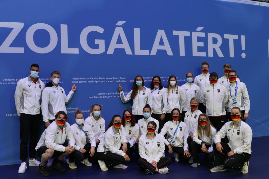 Sportler bedanken sich bei medizinischem Team. Vier positive PCR Tests bei EM