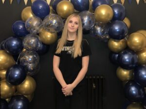 Mount Kelly Swimming's Lucinda Andrews Commits to Wingate for 2021-22